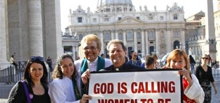 cr_mega_886_women-priest-protest