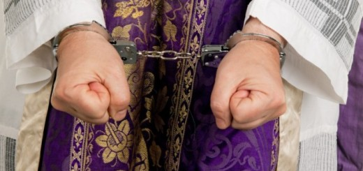 handcuffs-priest-702x336