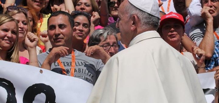Pope_Francis_arriving_in_St_Peters_Square_for_the_Wednesday_general_audience_on_June_172015_Credit_Joseph_Pota_CNA_6_17_15