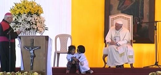 Pope_Francis_at_the_Palmasola_Rehabilitation_Center_in_Santa_Cruz_Bolivia_July_10_2015_Credit_EWTN_CNA_7_10_15