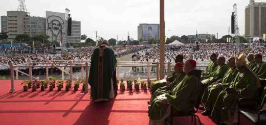 Pope_Francis_gives_his_homily_during_Mass_in_Havanas_Revolutionary_Square_on_Sept_20_2015_Credit_LOsservatore_Romano_CNA_9_20_15