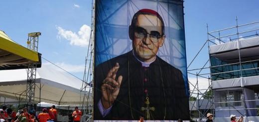 Image_of_Blessed_Oscar_Romero_in_San_Salvador_on_May_24_2015_Credit_David_Ramos_CNA_5_24_15