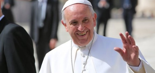 Pope_Francis_waves_to_the_general_audience_on_April_1_2015_in_St_Peters_Square_Credit_Bohumil_Petrik_CNA_4_1_15