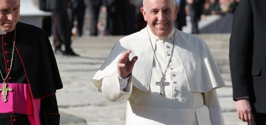Pope_Francis_greets_pilgrims_during_his_general_audience_on_Nov_29_2014_Credit_Bohumil_Petrik_CNA