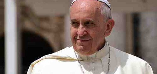 Pope_Francis_greets_pilgrims_in_St_Peters_Square_during_the_Wednesday_general_audience_on_May_28_2014_Credit_Daniel_Ibez_CNA