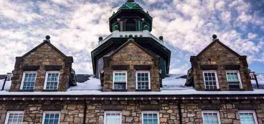 The_seminary_at_Mount_St_Marys_University_Credit_Jon_Bilous_via_wwwshutterstockcom_CNA