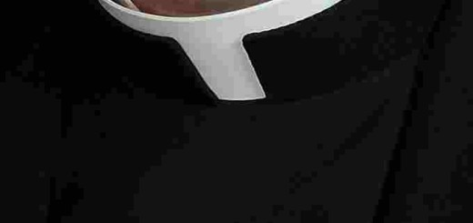 Priest_collar_CNA_10_29_14