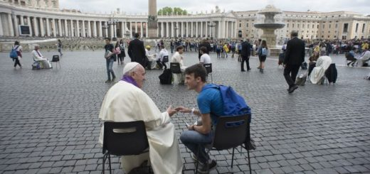 Pope_Francis_hears_confessions_of_teenagers_in_St_Peters_Square_Credit_LOsservatore_Romano_CNA