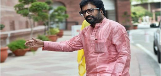 Shiv Sena MP Ravindra Gaikwad (PHOTO - TWITTER)