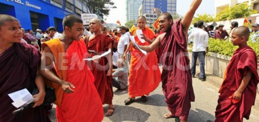 1363768729-sri-lankan-buddhist-monks-continue-protest-at-indian-high-commission_1889168