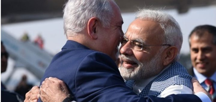 Modi hugs Netanyahu