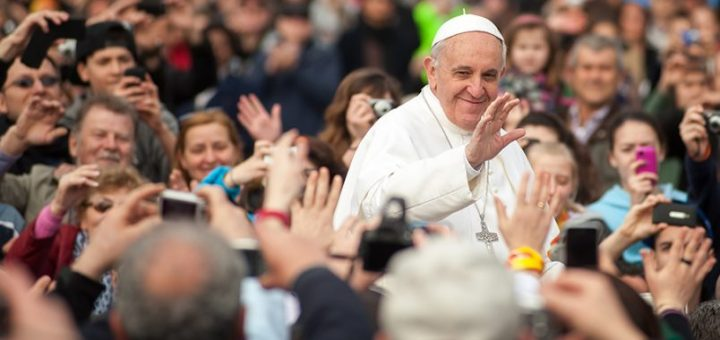 pope-francis-calls-for-truth-in-the-age-of-fake-news-grottoshares-804x535